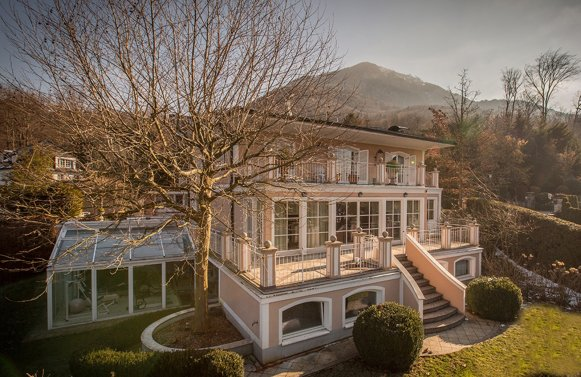 Property in 5020 Salzburg - Aigen: REFINED LUXURY AT THE FOOT OF THE GAISBERG MOUNTAIN