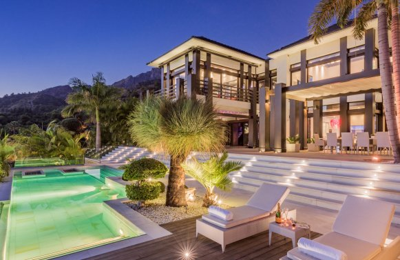 Property in 29500  Marbella: Luxury property on the Golden Mile in Marbella