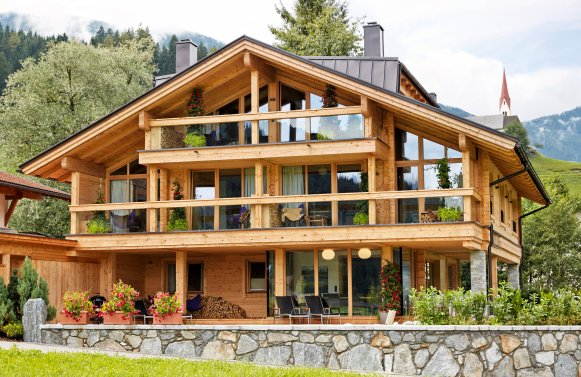 Property in 6271  Uderns im Zillertal: holiday home: refuge with 3 self-contained living units